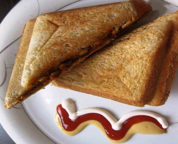 غذای ساده با سوسیس