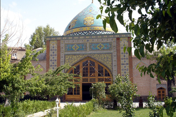 مسجد زیبای کبود