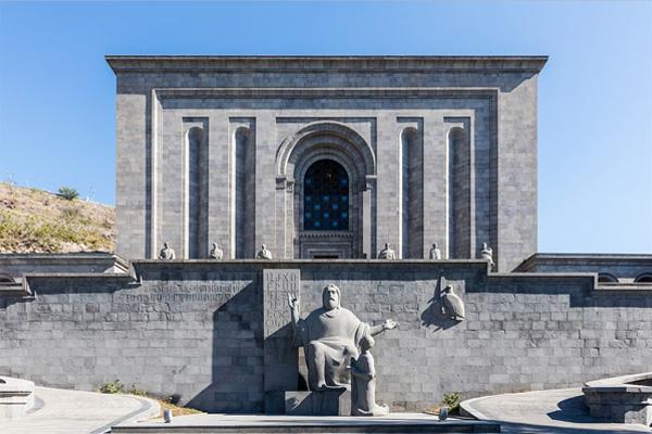 گشتی در ایروان ، از مسجد جامع کبود نا آبشار پله